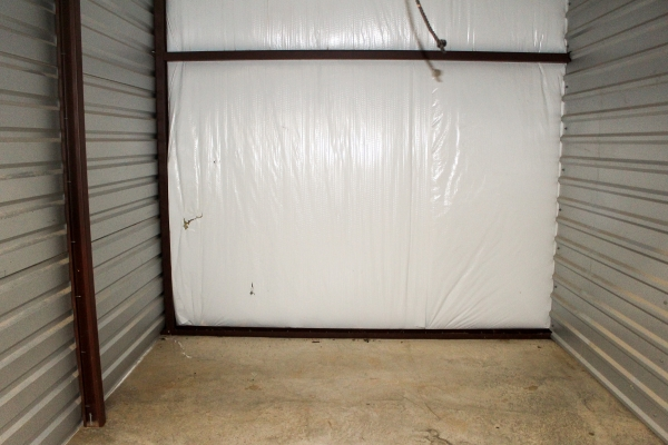 Image of climate controlled units at the Lawton facility on Lee Blvd