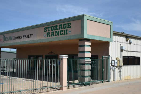 An image of the exterior, front of the facility on Lee Blvd.